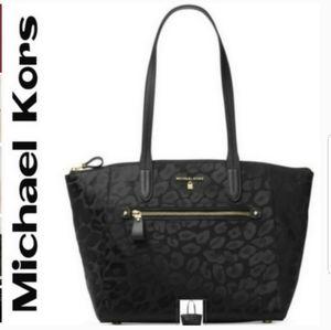 Michael Kors Kelsey Top-zip Medium Tote NEW!